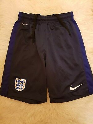 Boys 12-13-14 years Nike England dri fit training Shorts Football Soccer size S