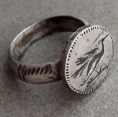 ANCIENT ROMAN SILVER LEGIONARY RING  a heron in a wreath
