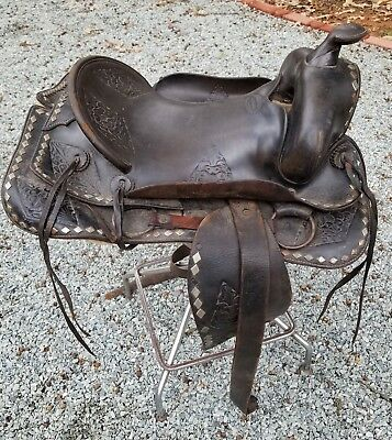 """Vintage L T Frazer Leather Studded Riding Saddle Parade 14"""" Seat Indianapolis IN"""