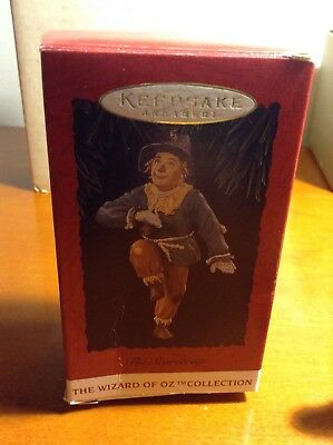 Keepsake Ornament Wizard Of Oz Collection The scarecrow 1994 w box