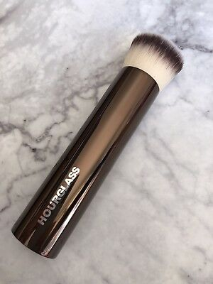 New Hourglass Vanish Seamless Finish Foundation Brush RRP70