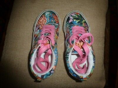 Girls next bright floral patterned pumps/trainers/plimsolls pink laces size 11