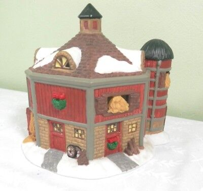 1997 Dickens Towne Series Lighted Porcelain Barn With Silo - Christmas Village