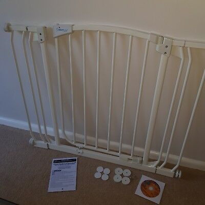Dream Baby Extra Wide Safety Gate / Stair Gate