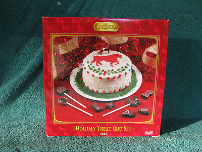 Breyer #700677 Mini Whinnie Holiday Treat Gift Set Complete In Box - Excellent!