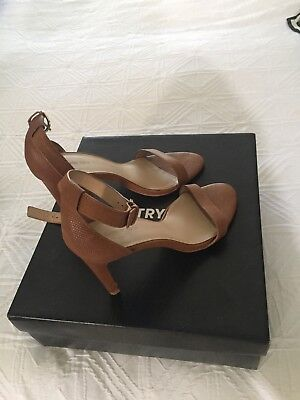 Country Road Natalie Heel Tan Size 38