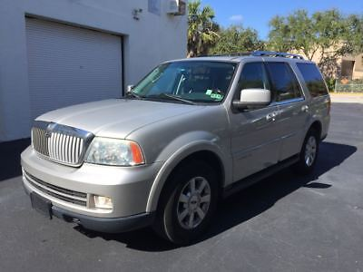2006 Lincoln Navigator Luxury Edition 2WD 2006 Lincoln Navigator One Owner Clean Autocheck Fully Loaded **FREE SHIPPING**
