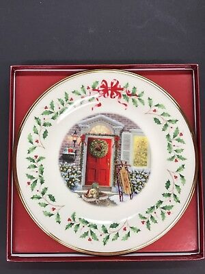 Lenox China Annual Holiday Christmas Plate 2005 Home For The Holidays