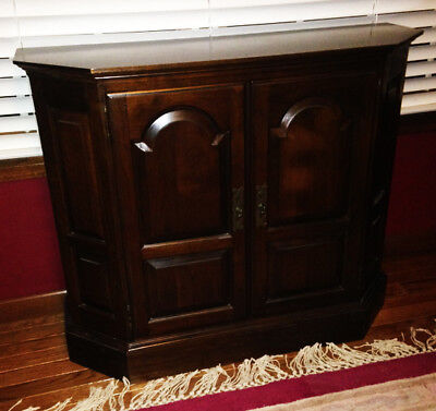 Ethan Allen Cherry Georgian Court 5 sided Cherry Console