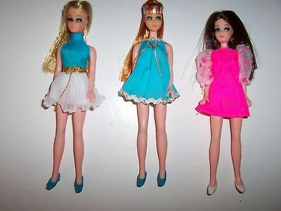 Vintage Topper Dawn Doll and 2 Friends Glori and Angie + 3 Stands