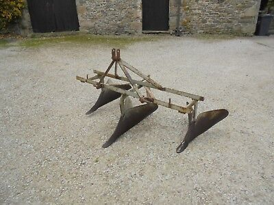 #B0795 Ferguson ridger Ridge plough Stitcher Potato Vintage Massey MF with plate