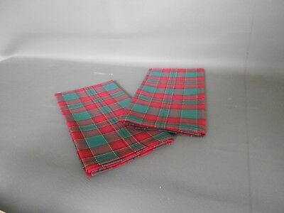 Longaberger Napkins, set of  in the Evergreen Plaid Pattern - New lower price