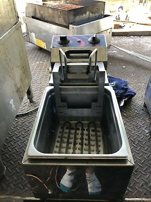 WOODSON BENCH FRYER With Auto Drop And Return Excellent CONDITION