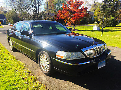 2004 Lincoln Town Car Signature 2004 Lincoln Town Car