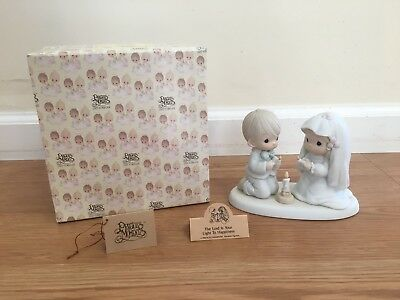 Precious Moments THE LORD IS YOUR LIGHT TO HAPPINESS Figurine 520837 Tags & Box