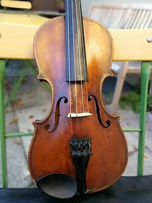 Sehr Schöne, Alte, interessante Geige, 4/4. Lovely, Old, Interesting Violin.