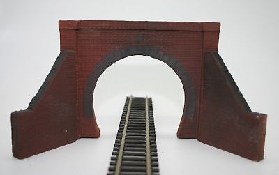 2 X Detailed Model Railway Single Track Tunnel Entrance For HO / OO New