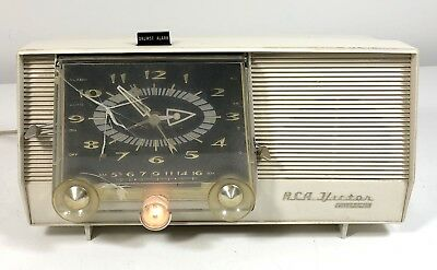 Vintage RCA-Victor Filteramic Tube Clock Radio Model C-4E White Mid-Century 1959