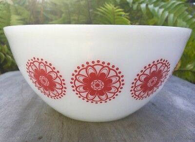 Vintage Agee Crown Pyrex mixing nesting bowl in red Doily pattern