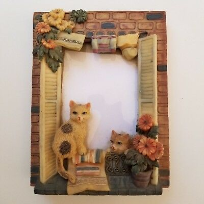 Cat Photo Frame Detailed 3-D Resin Holds 3x5 Photo