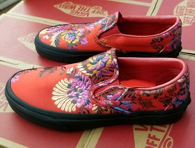 ed6d3bad564c90 Vans Classic Slip-On (Festival Satin) Red black Floral Embroidery  Vn0A38F7Ulp