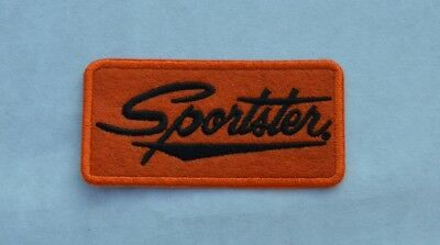 patch , sportster, feutrine, orange, broder et thermocollant  9/4.5cm