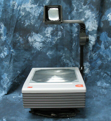 3M 9076 Overhead Projector.  Spare lamp included!  4000 lumens!  Super Bright!
