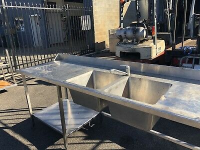 DOUBLE DISHWASHER SINK And Hand BASIN  IN GOOD CONDITION 2880mm X 750