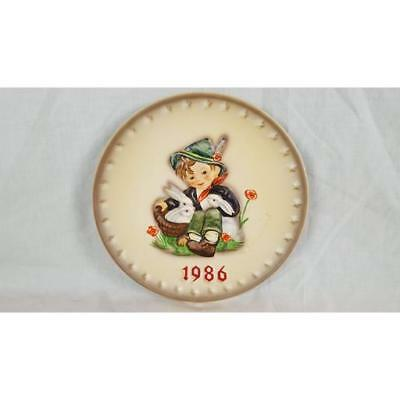 Goebel HUMMEL ANNUAL PLATE Playmates 1986 (16th in series of 25)