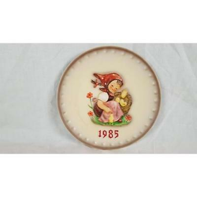 Goebel HUMMEL ANNUAL PLATE Chick Girl 1985 (15th in series of 25)