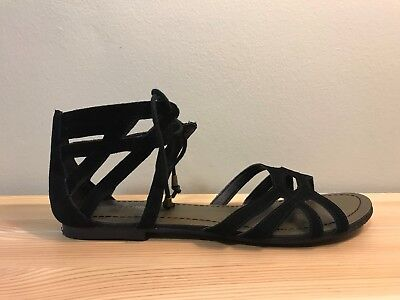 Minnetonka Moccasins Black Leather Ankle Strap Gladiator Sandals Women's Size 10