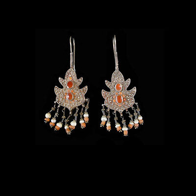 Silver pendant earrings with carnelian inlay and pearl beads. x5634