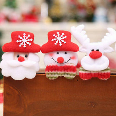 Happy Christmas Flashing LED Light Up Badge/Brooch Pins Party Favors Cute Hot