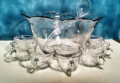 Anchor Hocking Savannah Glass Punch Bowl Scalloped 8 Cups With Hooks & Ladle