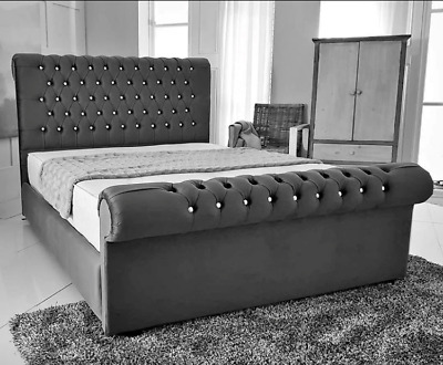 Chesterfield Sleigh, Upholstery With Diamonds Bed, Crushed Velvet