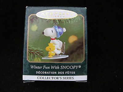 Hallmark Peanuts Keepstake  Miniature Ornament 2001 Winter Fun With Snoopy