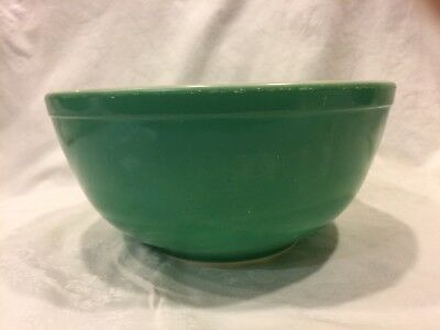 Vintage Primary Green Pyrex #403 2.5 Quart Mixing Nesting Bowl ~ Good Condition
