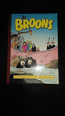 The Broons Vintage Comic Family Paperback Annual (1989)