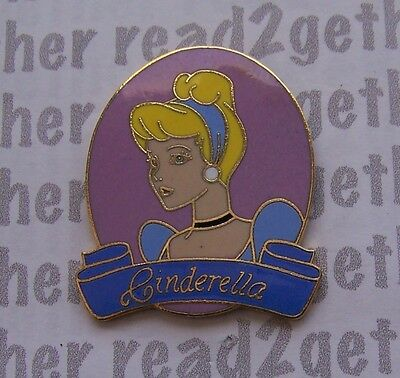 Disney Pin Oval Princess Cinderella