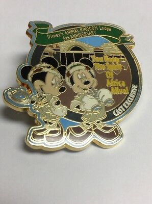 Genuine DISNEY Official Pin Trading 2006 Mickey and Minnie Mouse Animal Kingdom