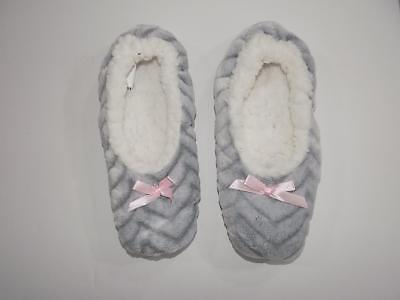 SP53 Charter Club Women's Gray Slippers Socks NWOT Size L 8-9
