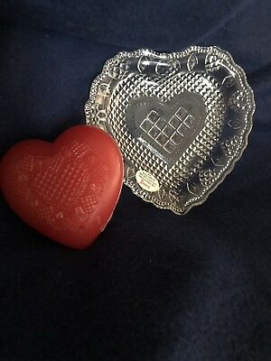 Avon Heart And Diamond Soap Dish And Soap.  It Contains 1 5oz Special Occasion S