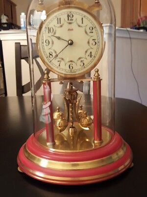 VINTAGE KUNDO 400 day  ANNIVERSARY CLOCK  very nice colonial red base