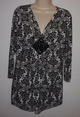 Ellen Tracy Floral Beaded Medallion Knit Top Size L Black White 3/4 Sleeve