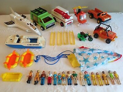 Vtg Fisher Price Adventure People 70's Huge lot of vehicules, acces. &12 figures