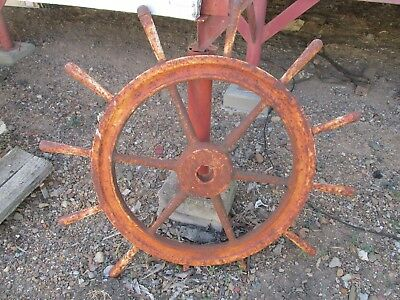 antique ships wheel salvaged of Middleton Reef in the mid sixties.