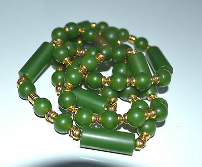 ART DECO GREEN BAKELITE GRADUATED NECKLACE gold plated spacers 55 GR 34''