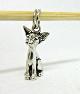 Vintage Sterling Silver SITTING CHIHUAHUA DOG Charm / Pendant - Nice Detail!
