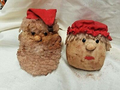Santa and Mrs. /Christmas/Primitive/Farm House/Bowl Filler/Set of Two/Grunged