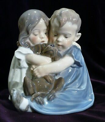 Bellissima statuina Royal Copenhagen - Children with Puppy Dog-